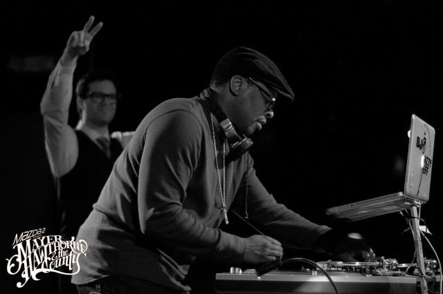Mayer Hawthorne –  No Strings (DJ Jazzy Jeff Remix)